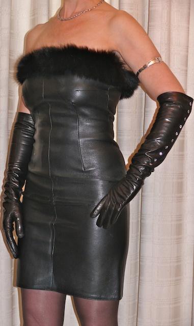 Leather Fasyen Mature Leather Lady