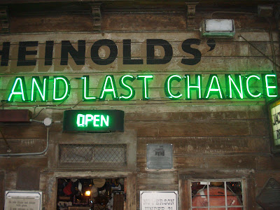 Heinolds first last chance saloon oakland sign