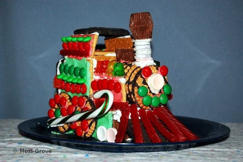 Christmas Candy Train.Moss Grove Christmas Candy Train And Other Pictures