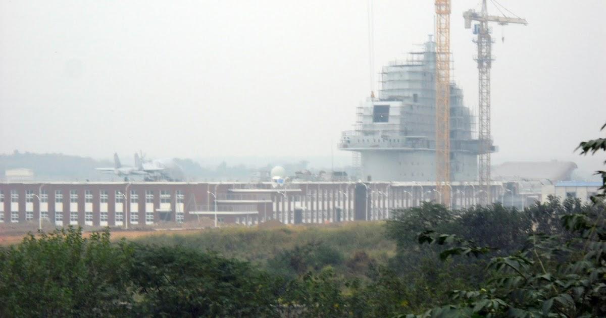 China Defense Blog: More Photos Of The Wuhan Varyag Mockup.