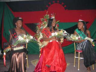http://2.bp.blogspot.com/_3zCpa6WV2z4/SWWDIZFlUbI/AAAAAAAADW8/zVCng5NztWY/s400/miss_malawi.jpg