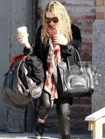 23db20a050b6 Celine 2010 Spring Summer Leather Luggage America s most popular Mary Kate  Olsen has been and filled with its unique taste clad style and strong  ability to ...