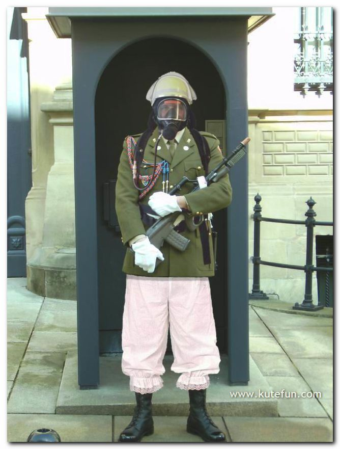 [Funny+Army+Costumes4.jpg]