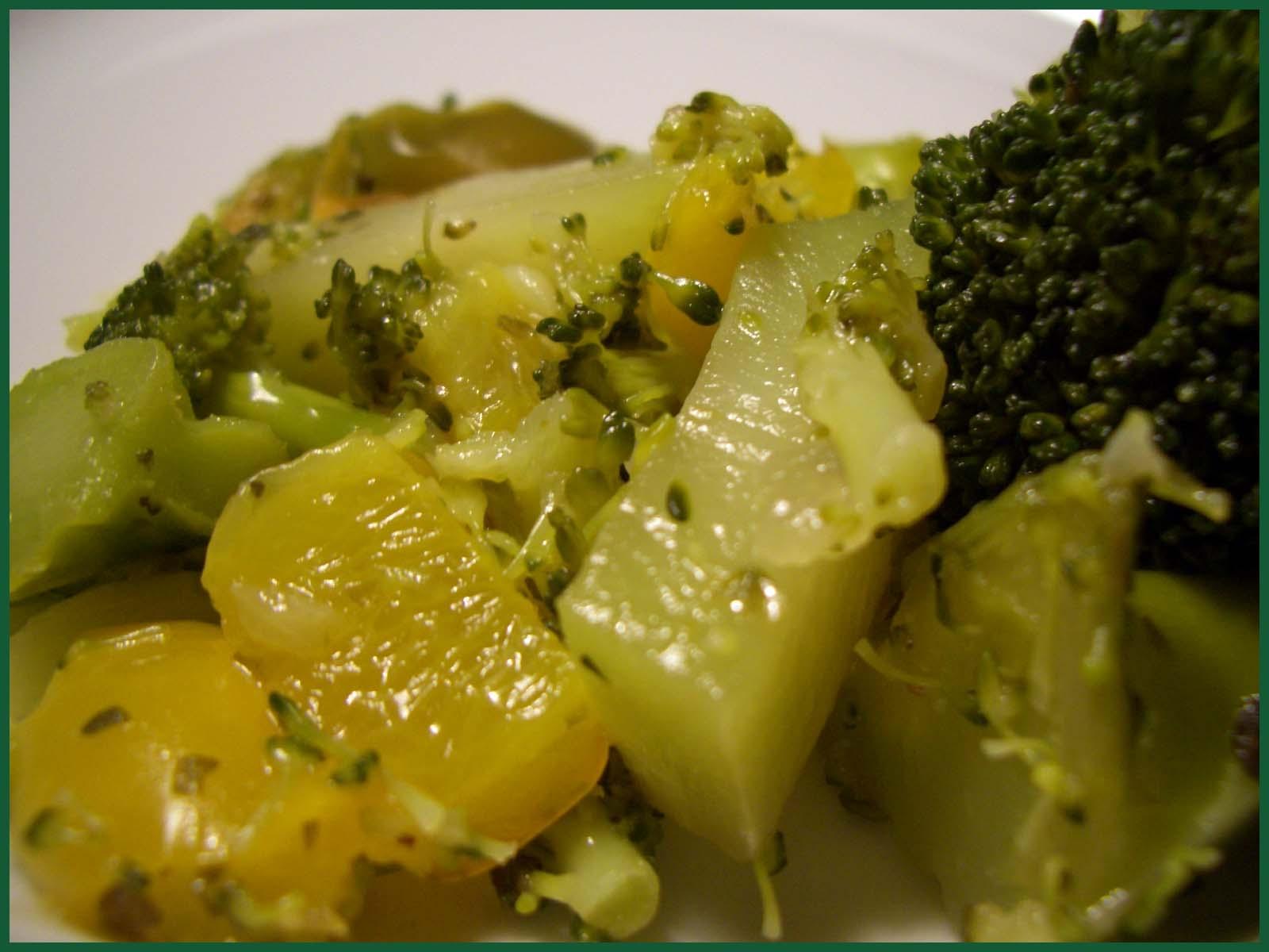 die lorbeerkrone broccoli con peperoni brokkoli paprika gem se. Black Bedroom Furniture Sets. Home Design Ideas