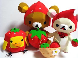Relax Bear Strawberry Papercraft