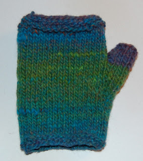 knitting knit fingerless glove