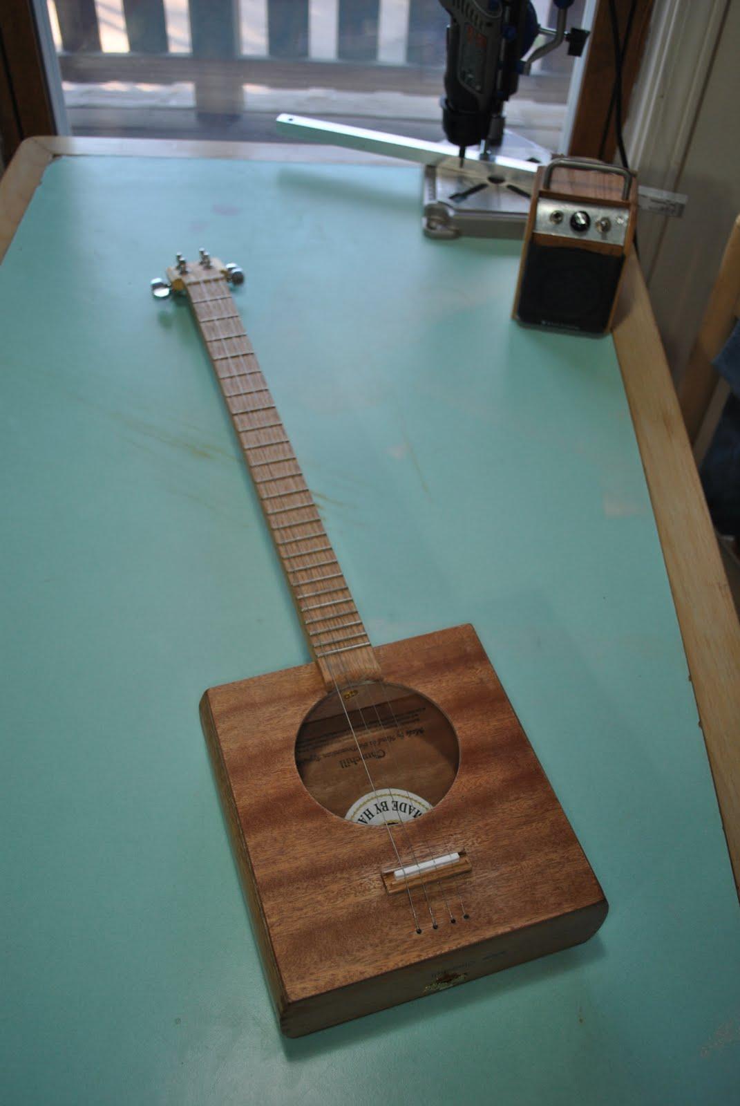 cigar box guitar cbg 2. Black Bedroom Furniture Sets. Home Design Ideas