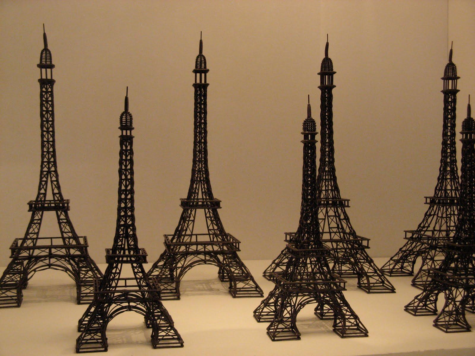 Tour Eiffel Deco : d co les incontournables de flo deco la tour eiffel dans votre salon ~ Teatrodelosmanantiales.com Idées de Décoration