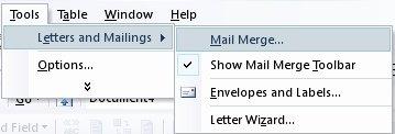 Gambar Membuka menu Mail Merge