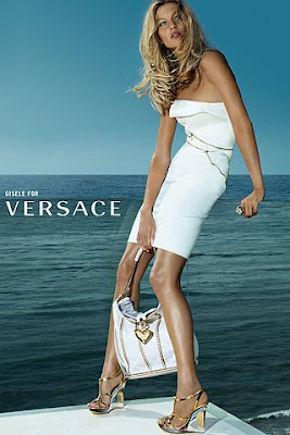 Giselle para Versace
