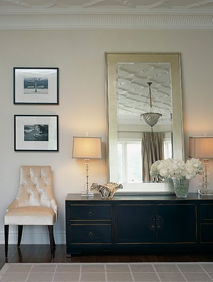 Classic decor in bedroom by Sarah Richardson