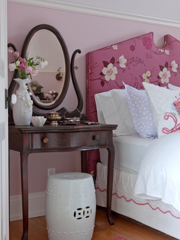 Feminine and romantic farmhouse bedroom with pink by Sarah Richardson on Hello Lovely