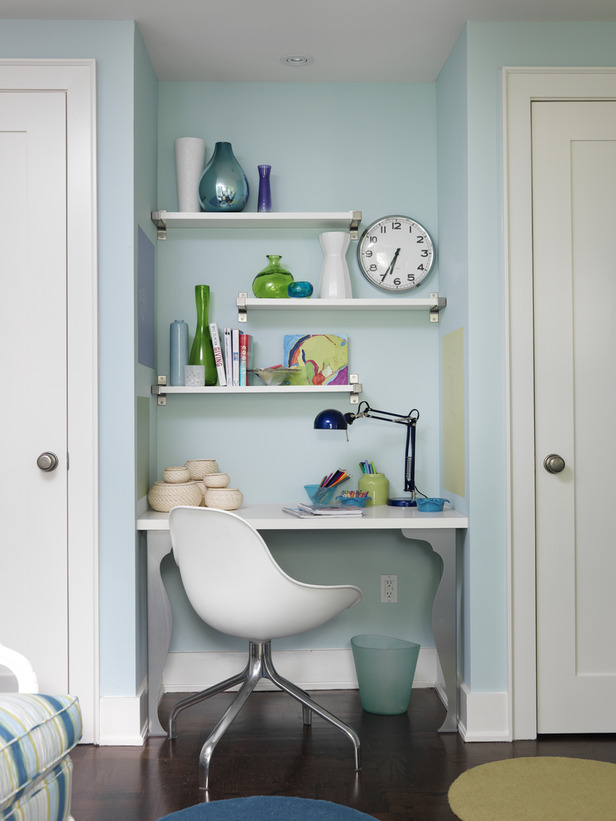Midcentury Modern teen bedroom with aqua walls by Sarah Richardson