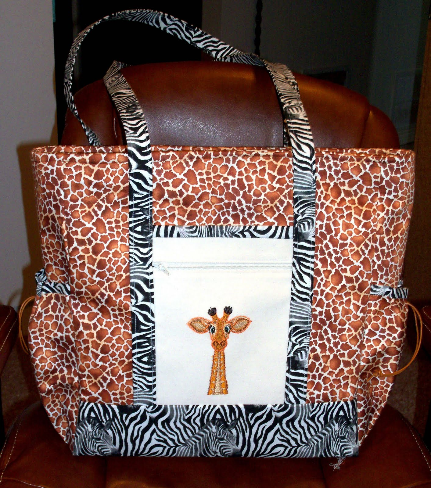 0d6a2197c115 Please find attached photos of my first Professional Tote. What a great  pattern. Yes it does have lots of pieces but you instructions are perfect  and clear ...