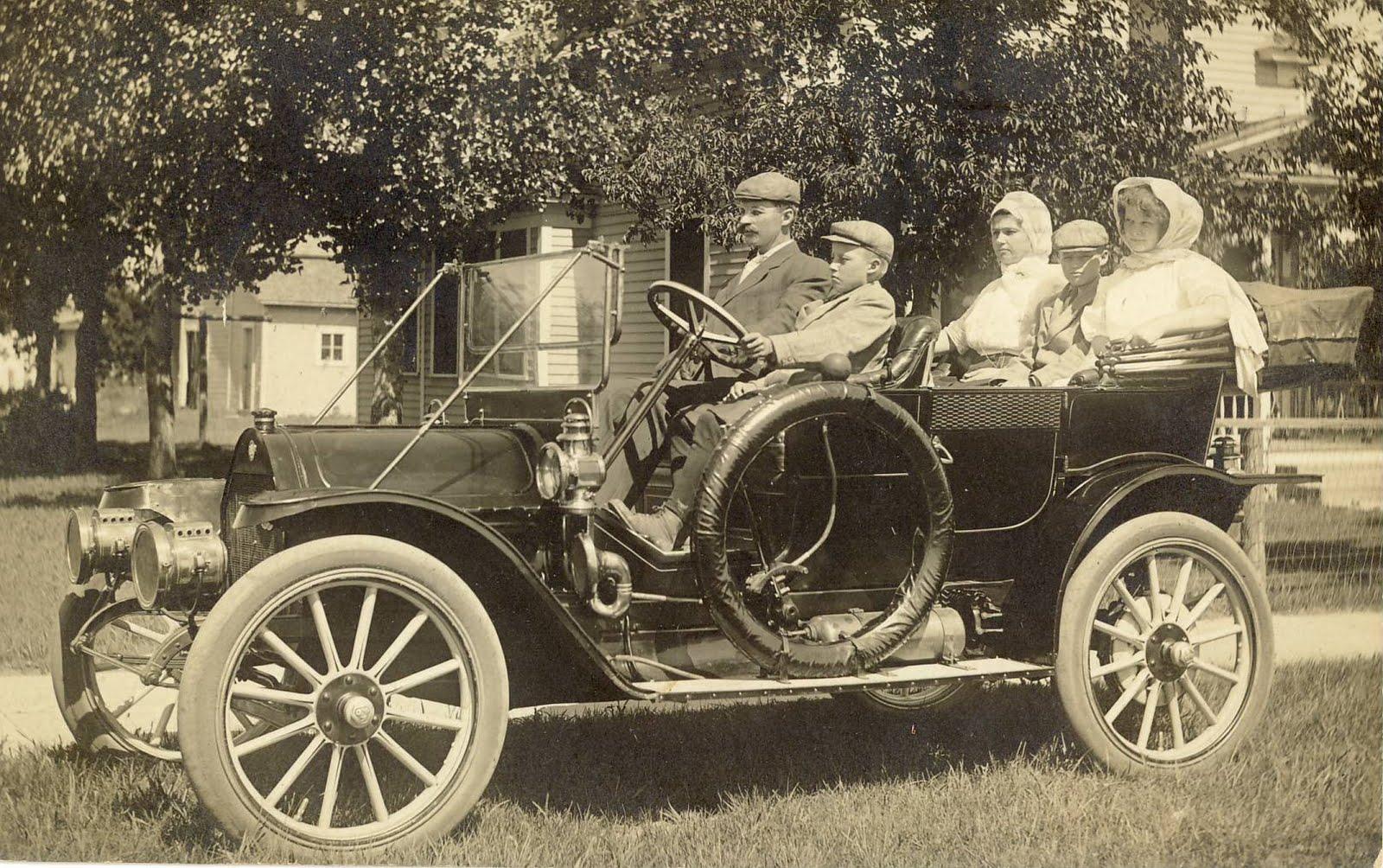 1910+car.jpg