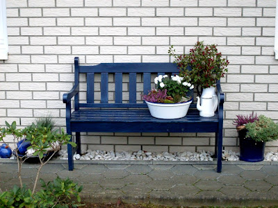 garten anders eine gartenbank stimmig in design und funktion. Black Bedroom Furniture Sets. Home Design Ideas