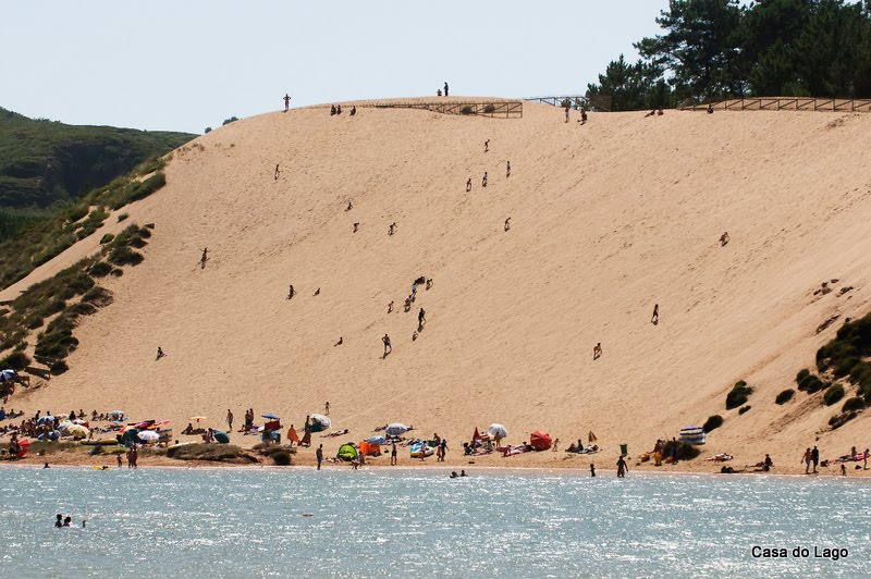 Holidays in Portugal: dunes at Salir do Porto