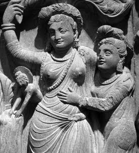 Mahapajapati aiding at the Buddhas birth