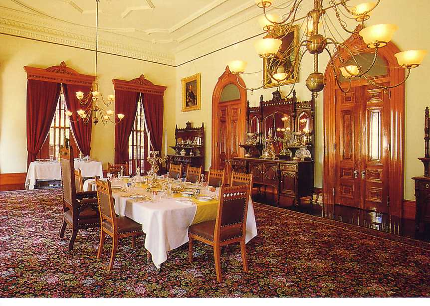 Queen Liliuokalani Palace Inside A Note of Frien...