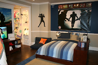Boysu0027 Henley Stripe Quilt U0026 Sham, Ultimate Dresser Storage Bed Set, And  Rush The Field Wall Mural. This Bed/shelving Unit Is Another Smart Choice  For ... Part 60