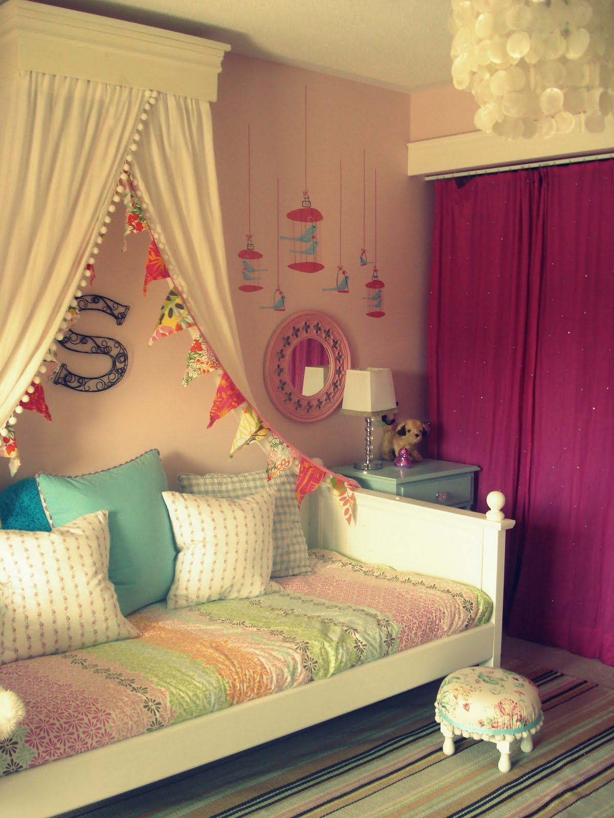 Little Girl Canopy Bed Ideas White Wood Daybed Makeover Reveal