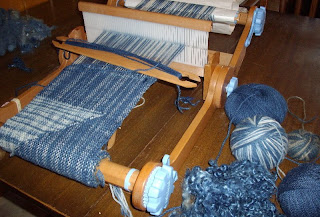 Joybilee Farm: Weaving a bag on the Ashford Knitters Loom