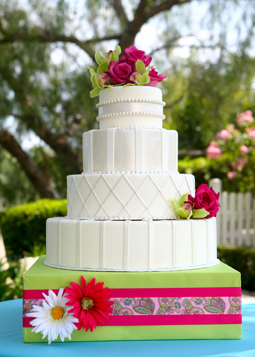 Let Them Eat Cake At Your Wedding Raise The Cake