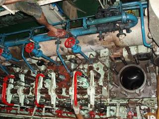 Borneotip: Main Engine Overhaul