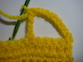 how to crochet a car appliqué - step #4