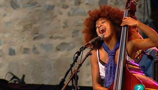 A Kind O' Music!: Esperanza Spalding - Live at 44 Festival