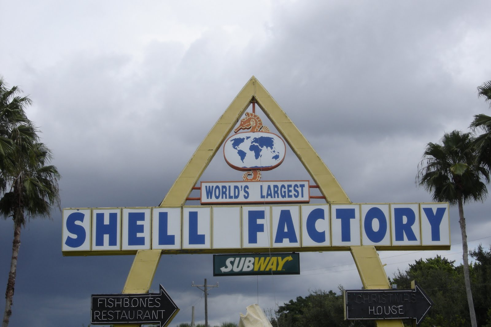 Places To Go Buildings To See Shell Factory North Fort