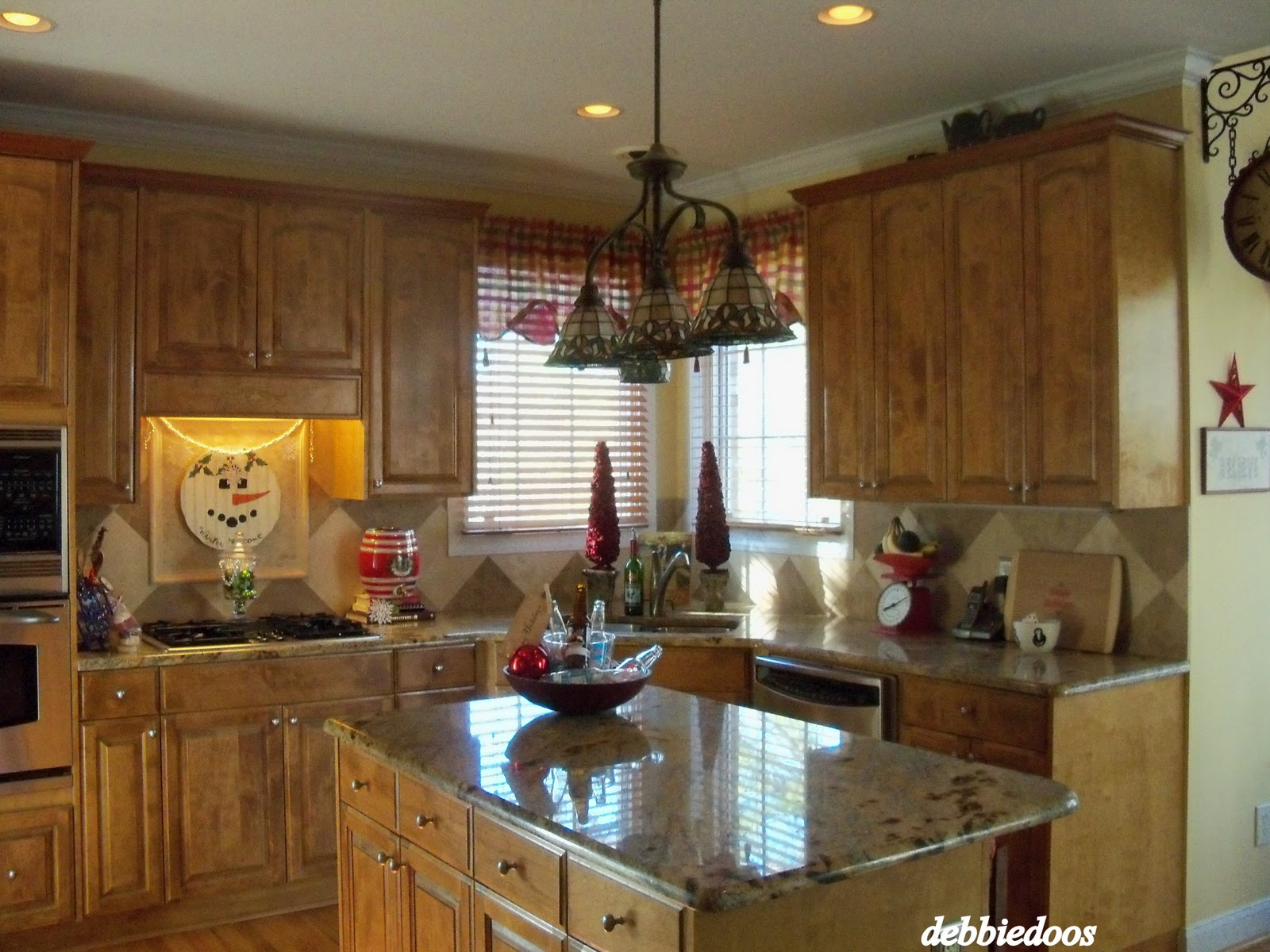 How To Decorate Kitchen Cabinets For Christmad