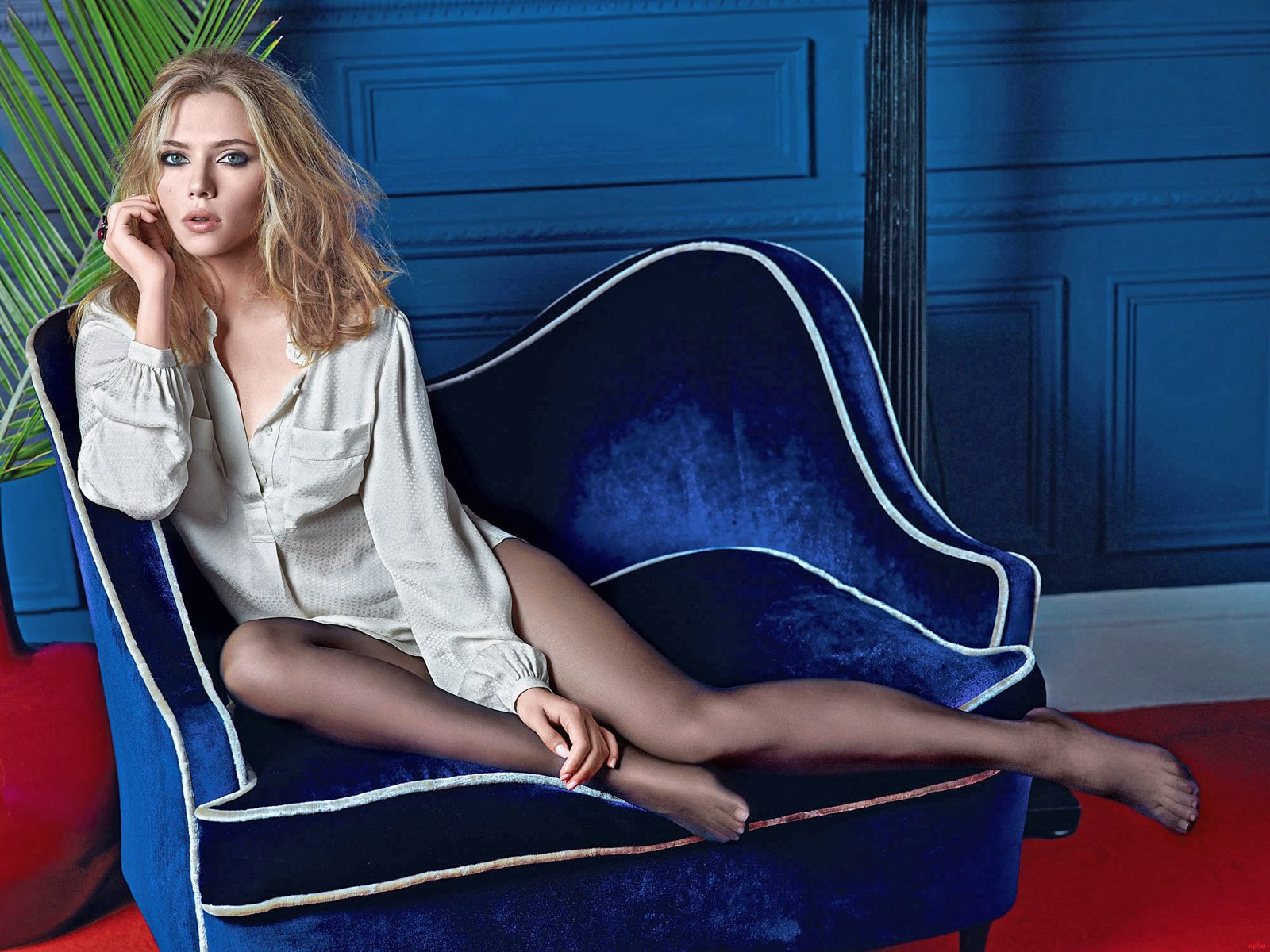Scarlett Johansson Wallpaper: The Black Fashion World: Scarlett Johansson Legs