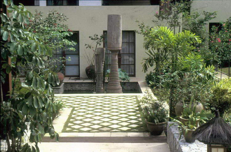 Who is made wijaya for Tropical courtyard garden design