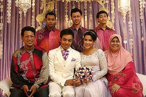Info To Share Gambar Perkahwinan Raja Farah Dan Megat