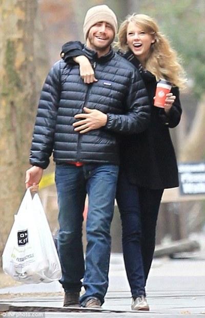 Swift Gyllenhaal Jake Taylor 2014