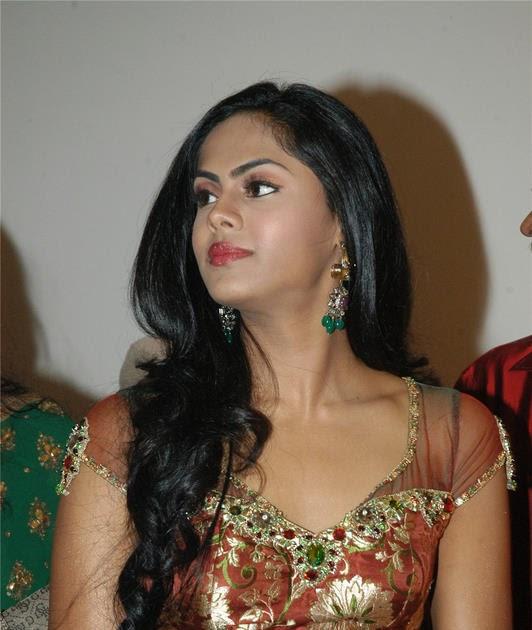Actress Radha's Daughter Karthika Exclusive Images