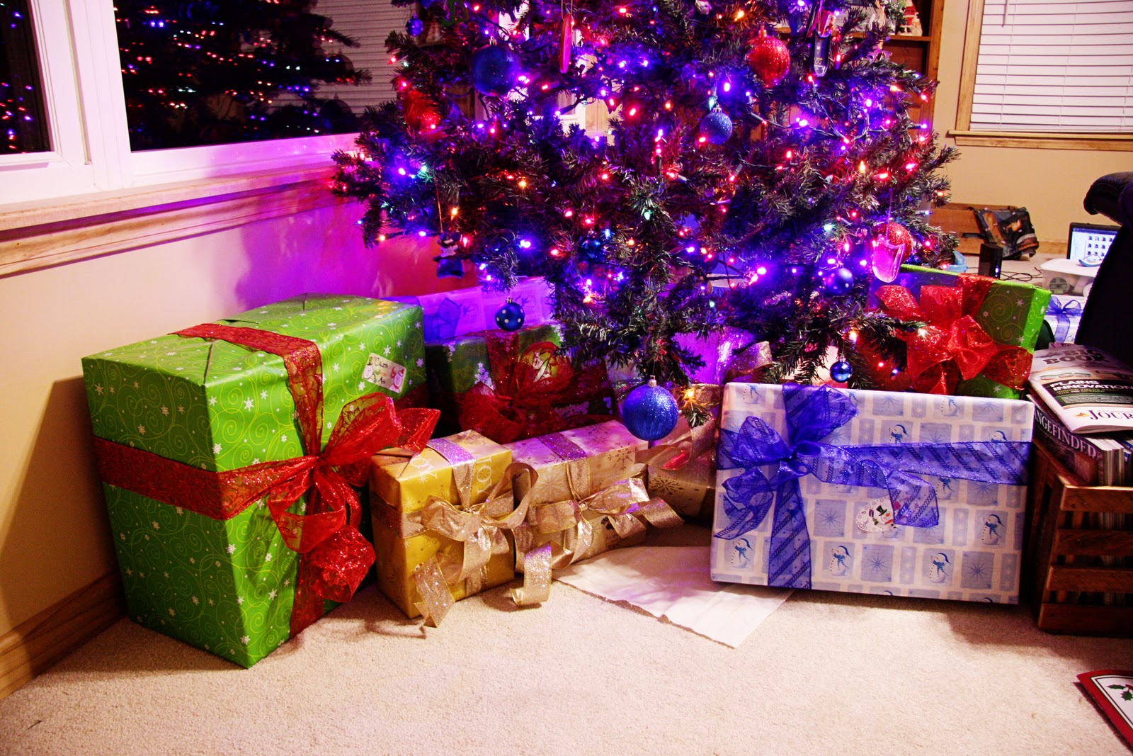 Presents under the tree | Gift wrapping, Christmas, Presents |Wrapped Christmas Presents Under The Tree