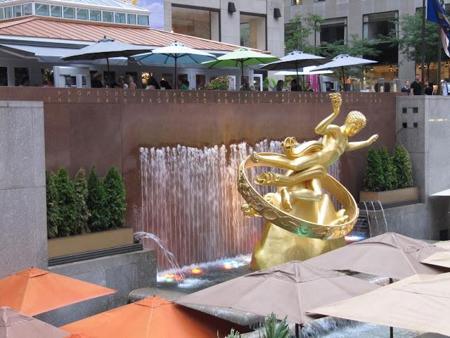 escultura prometeo rockefeller pista hielo