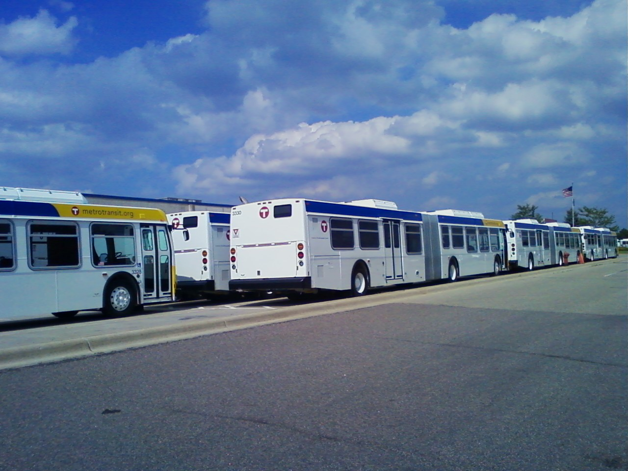 Twin Cities Transit: More 2010 New Flyer D60LFR