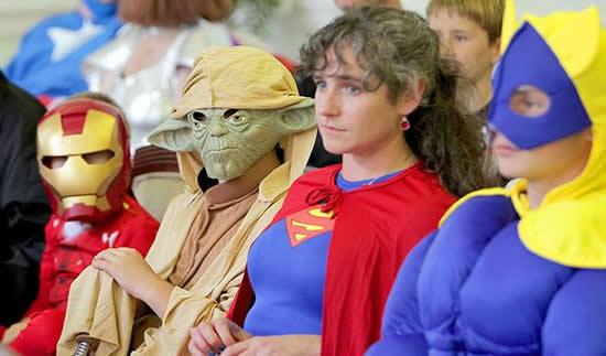 Batman se poroči s tematsko poroko superjunaka Wonderwoman Wonderwoman-6843