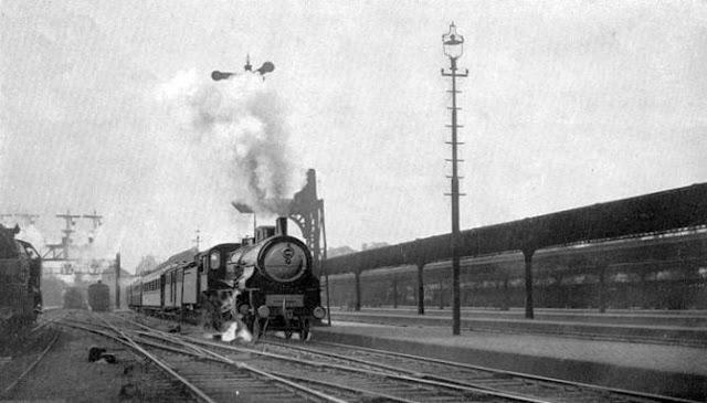 Orient Express in cammino sul binario