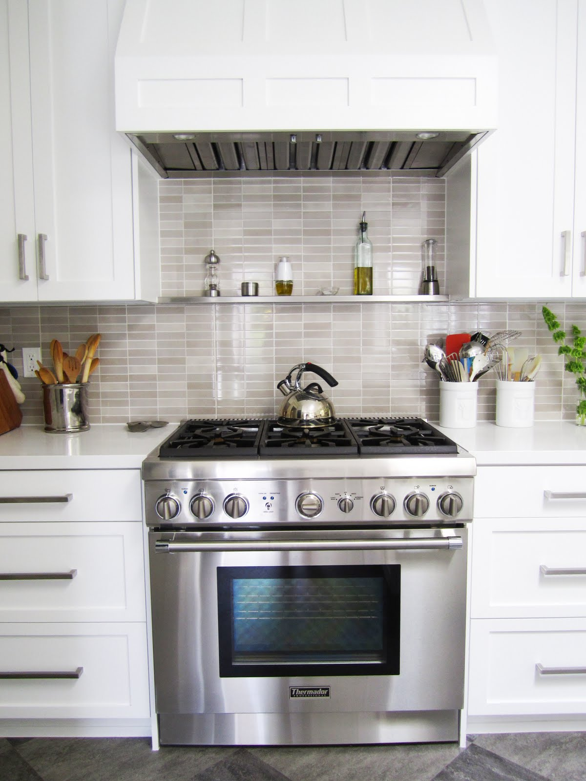 Gray Kitchen Backsplash High Top Table And Chairs Cococozy Q Anda Architect Client Cook Up A