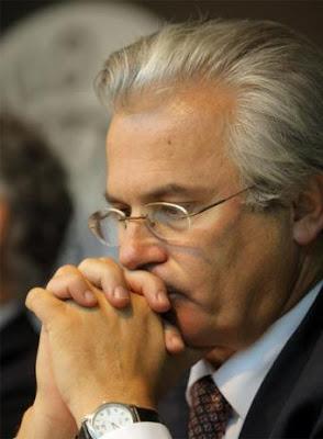 https://i0.wp.com/2.bp.blogspot.com/_6TZBpMpHdSc/SZ8jyBxo2xI/AAAAAAAABN0/iGta4P4Faco/s400/juez_Baltasar_Garzon.jpg