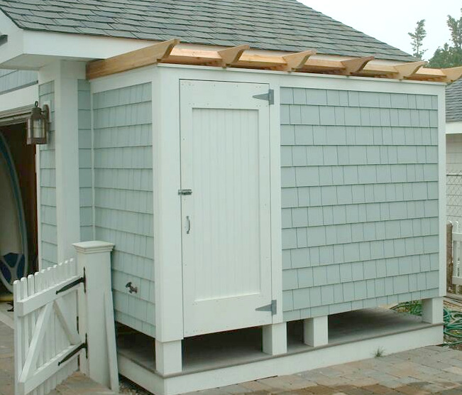 Bathroom Outdoor: 1000+ Ideas About Outdoor Shower Enclosure On Pinterest