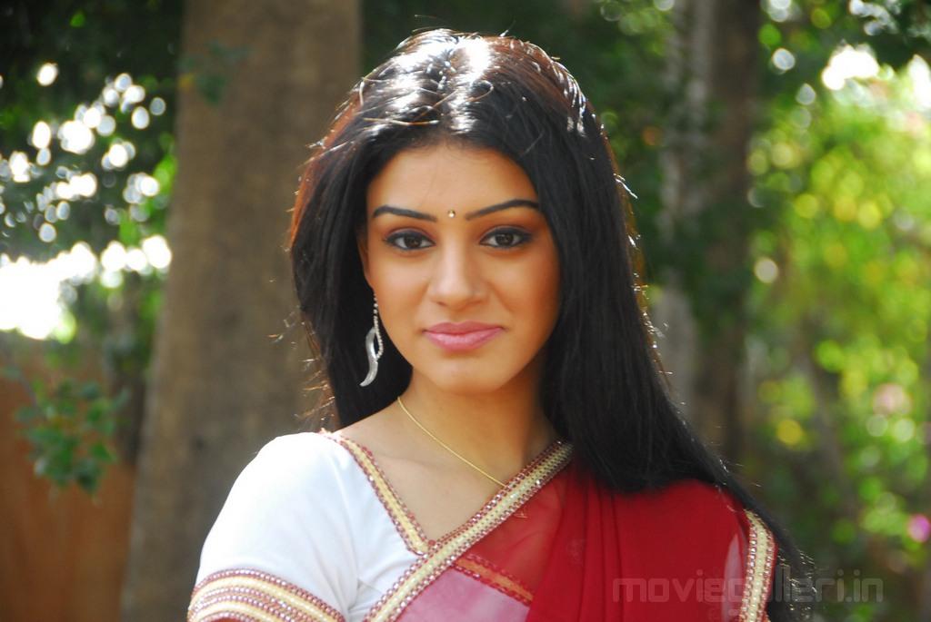 Telugu Actress Anchal HQ Wallpapers, Actress Anchal Photo Gallery | Cinephotoglitz