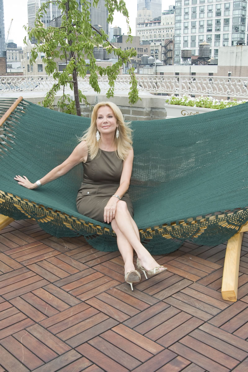 Kathie lee gifford upskirt pic
