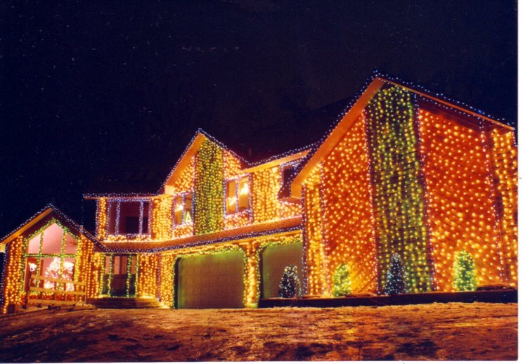 How Many Christmas Lights Makes A House Merry And Bright