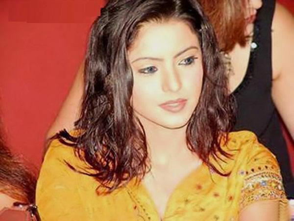 Sexy Aamna Shariff 26