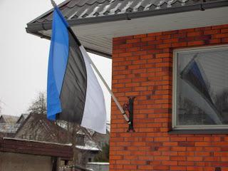 le 24 fevrier, les drapeaux estoniens sont de sortie